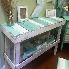 Wooden Pallet Projects 200 lavish Pallet Wooden Project Ideas for a Tranquil Life Beach Furniture, Coastal Decor, Interior, Diy Furniture, Beach House Decor, Cottage Decor, Home Decor, Wooden Pallet Furniture, Wooden Projects