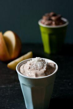 Cinnamon Maple Yogurt Dip        1c Greek yogurt      3/4t cinnamon      2t maple syrup [or honey]      1/4t vanilla extract      shredded coconut + chopped almonds [topping]