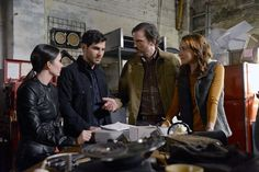 """On Grimm Season 6 Episode 1, """"Fugitive,"""" we pick right back up where we left off last season, and the tension never lets up."""
