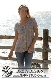 """Cape Lookout - DROPS cardigan with short sleeves knitted in lace pattern with """"Silke-Alpaca"""". - Free pattern by DROPS Design Knit Cardigan Pattern, Sweater Knitting Patterns, Lace Knitting, Knitting Designs, Crochet Patterns, Drops Design, Free Knitting Patterns For Women, Short Sleeve Cardigan, Short Sleeves"""
