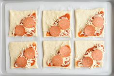 Easy Cheesy Homemade Pizza Pockets Cook, bake, craft, create, one little project at a time!Easy Cheesy Homemade Pizza PocketsI love these homemade pizza pockets because you ca Homemade Pizza Pockets, Easy Homemade Pizza, Easy Homemade Recipes, Kids Pizza, Pizza Snacks, Dinners For Kids, Easy Kids Meals, Kid Meals, Kid Friendly Meals