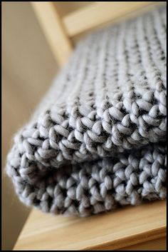 Chunky knitted Merino throw