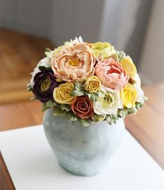 Thailand student's work... Vase style buttercream flower cake... #cherryblossom #buttercream #butter #buttercreamflowers #flowers #flower #cake #cakes #kiss #kissthecake #kissthecook #koreanstyle #koreanbuttercream #spring #peony #vase #2016  #케이크 #케익 #플라워케이크 #플라워 #플라워케익 #버터크림 #키스더케익 #키스 #키스더케이크 #작약 #버터크림플라워케이크 #봄