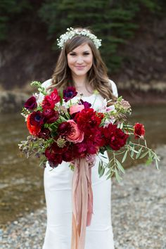Organic Wedding Bouquet. This amazing wedding bouquet by @soilandstem in Utah is breath taking! Red Bouquet, Wedding Bouquet, Boho Bouquet, Boho Bride, Epic Bouquet