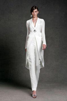 6f3726c7a343 1001 + Idées pour un tailleur pantalon femme chic pour mariage + tenue  invitée mariage
