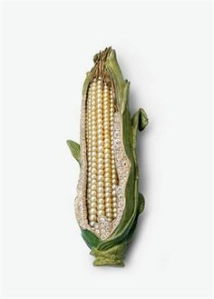 Sweet Corn by Hemmerle via trouvaillesdujour: Silver, yellow gold, pearls, white and cream colored diamonds. #Corn #Hemmerle