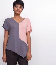 60610115b Blusa feminina Manga curta Gola redonda Com recortes Marca  Cortelle  Tecido  viscose Composição