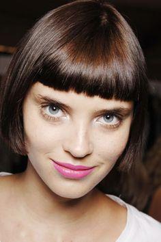 alison nix, pink lips, short bob hairstyle