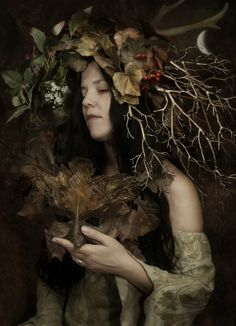 Earth Goddess:(Kelly Miller_Lopez) photo by Brian Froud, Mask by Wendy Froud. A slightly higher Res pic. Brian Froud, Earth Goddess, Mabon, Foto Art, Green Man, Portraits, Gods And Goddesses, Conte, Magick