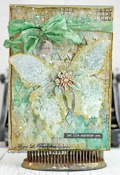 Lovely creation by Mona for the Simon Says Stamp Monday challenge (A Pinch of Green)