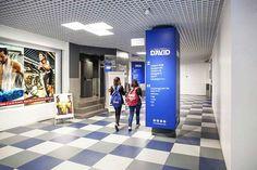 Nueva entrada al Centro Comercial David desde la calle Aribau, acceso al gimnasio DiR, Barcelona