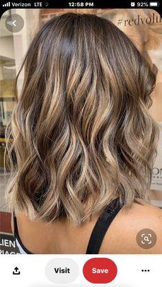 Medium Brown Hair With Highlights, Brunette With Blonde Highlights, Medium Brunette Hair, Blonde Tips, Brown Hair Balayage, Brown Blonde Hair, Natural Highlights, Hair Color Streaks, Blonde Hair Looks