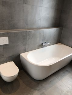 Bathroom Goals, Bathroom Design Luxury, Minimalist Bathroom, Washroom, Guest Bath, Toilet, New Homes, Bathtub, House Design