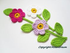This Pin was discovered by Vic Crochet Towel, Crochet Quilt, Crochet Art, Cute Crochet, Irish Crochet, Crochet Motif, Crochet Crafts, Crochet Stitches, Crochet Projects