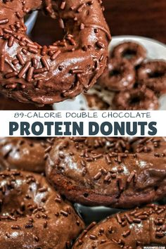 Double Chocolate High Protein Donuts Recipe These chocolate protein donuts have 11 grams of protein and fewer than 90 calories per donut thanks to their top secret ingredient. Hint: They'll pump you up. Protein Donuts, Healthy Protein Snacks, Protein Foods, Healthy Sweets, Healthy Baking, Healthy Doughnuts, Protein Muffins, Protein Cookies, Whey Protein