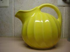 Shawnee Pottery Valencia Yellow Ice Pitcher Ball Jug Very nice Condition