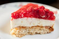 Raspberry and lime cheese cake on a big oat cookie. So sweet and fresh! Photo by Marko Tarvainen.