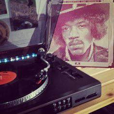 Happy Birthday Jimi Hendrix! Are you experienced? #jimihendrix #guitarist #thejimihendrixexperience #rocklegend #music #polydor #sixties #psychadelic #voodoochile #areyouexperienced #instarock #instapic #instalike #rock #instagram #vinyl #vinylcollection #record #records #album #electricguitar #hendrix #nowspinning #nowplaying by alanhogano