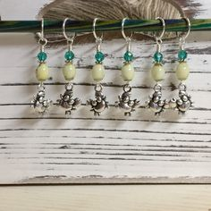 6 Cute Crabs Stitch Marker Set- Snag Free Beaded Stitch Markers- Gift for Knitters- Removable Crochet Markers- Beach Gifts- Knitting Tools