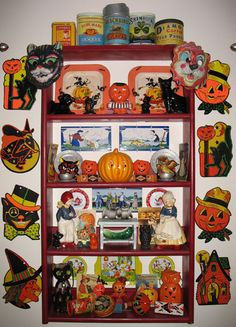 Some of Liz Dubois' awesome Halloween collection on display. I LOVE vintage Halloween stuff!