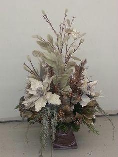Winter  floral arrangement and centerpiece ideas.