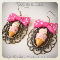 Old school Pin up style kawaii ice cream earrings by VorssaInk, €18.00
