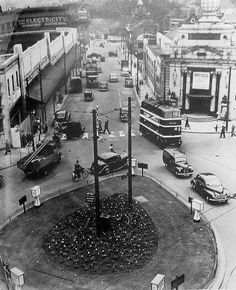 """""""King Edward Street in Palais club can be seen on right, later known as Oceana. Nottingham City Centre, Nottingham Uk, Old Pictures, Old Photos, Local History, Family History, Good Old Times, Places To See, Britain"""