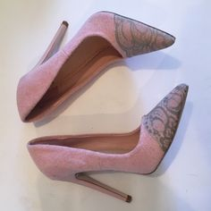 Pink and gray lace pumps Only wore these once for a shoot! Beautiful light pink pump with gray lace embellishment at the toe. Great with jeans or dresses all year round! Shoe Dazzle Shoes Heels