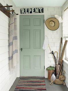 Maine Country Cottage Decorating - Ideas for Country Cottage Decor - Country Living. Love the Door Color Maine Cottage, Cottage Style, Cottage Porch, House Porch, Life Design, House Design, Verde Vintage, Front Door Colors, Front Doors