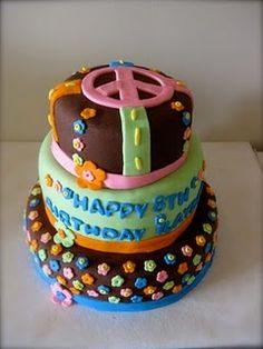 If you are thinking of throwing a Hippie Themed party, these terrific desserts will surely knock your go-go boots off! Fondant Cakes, Cupcake Cakes, Cupcakes, Hippie Cake, 60s Party, Fancy Cakes, Cake Creations, Hippie Style, Halloween