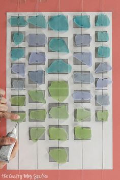 Decorate your home with a beautiful sea glass wind chime. This step by step tutorial will show you exactly what to do. Wind Chimes Craft, Glass Wind Chimes, Diy Garden Projects, Diy Craft Projects, Craft Ideas, Mason Jar Crafts, Mason Jar Diy, Easy Crafts To Sell, Diy Outdoor Weddings