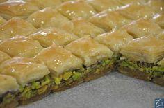 BAKLAVA Arabic Sweets, Arabic Food, Dessert Pasta, Oriental Food, Spanakopita, Soup, Bread, Middle East, Food Food