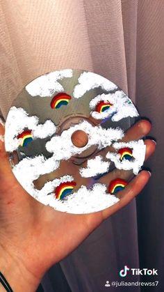 Cd Crafts, Diy Crafts Hacks, Room Crafts, Diys, Vinyl Record Art, Vinyl Art, Cd Wall Art, Cd Diy, Indie Room
