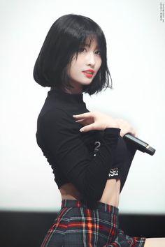 Momo(모모) - Twice Black hair, dance machine
