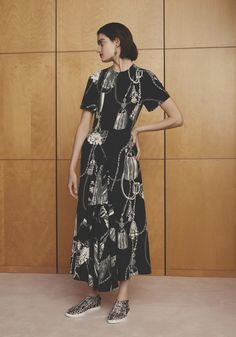 Hermès Resort 2017 Fashion Show
