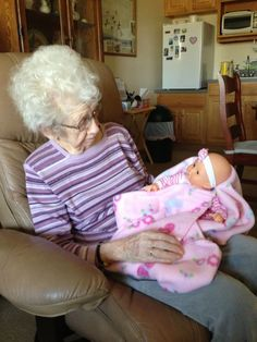 Bringing Comfort: Alzheimer& Sufferers And Baby Doll Therapy Alzheimer Care, Dementia Care, Alzheimer's And Dementia, Stages Of Dementia, Alzheimers Activities, Senior Activities, Winter Activities, Alzheimers Awareness, Senior Fitness
