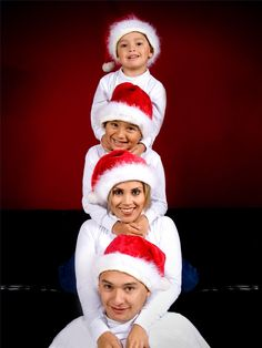 40 Creative and Unique Ways to Take a Family Photos for your Christmas Cards | Daily source for inspiration and fresh ideas on Architecture, Art and Design