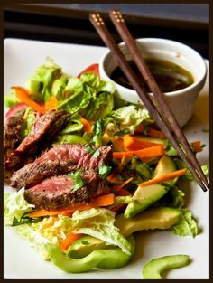 Thai Beef Salad - This is a great healthy summer salad, low in calories but with a taste of the Orient. #weightloss #diet #diettips #slim #slimming #dinner #lunch# salad #recipe #yummy www.weightlossrevolutions.co.uk
