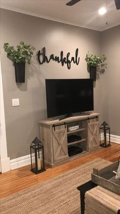 Feather and birch,thankful sign, tv area, farmhouse decor, magnolia market Living Room Remodel Before and After - Diy Home Decor Crafts My Living Room, Home And Living, Modern Living, Living Area, Simple Living Room Decor, Decor For Walls, How To Decorate Small Living Room, Living Room Wall Colors, Living Room Wall Decor Ideas Above Couch