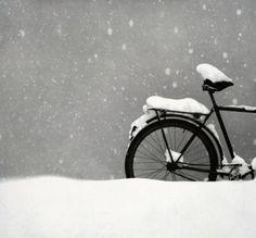 Photo imprimée similaire à nos hivers à Montréal. | Printed picture about our winter season in Montreal #winterbike