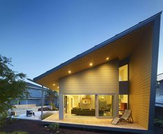 New Westminster Residence by BattersbyHowat - Canada