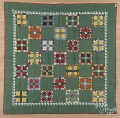 Pennsylvania pieced bear paw variant quilt, ca. 1900, 74'' x 75''. - Price Estimate: $200 - $300