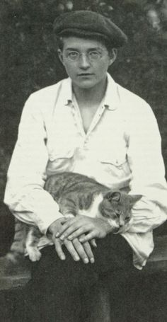 16 Adorable Vintage Portraits of People With Their Cats From the Crazy Cat Lady, Crazy Cats, Cool Cats, I Love Cats, Dmitri Shostakovich, Celebrities With Cats, Men With Cats, Classical Music Composers, Cats Musical