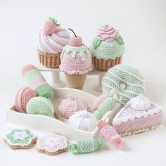 65 Trendy Ideas For Crochet Amigurumi Food Fruit Crochet Cake, Crochet Food, Crochet Crafts, Yarn Crafts, Crochet Projects, Crochet Fruit, Kawaii Crochet, Cute Crochet, Crochet For Kids