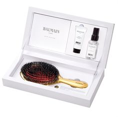 New Limited Edition - Luxurious Golden Spa Brush! A high quality brush plays a vital role in the conditioning of your hair. This luxury hand made hair brush is 24 carat gold plated. The Golden Spa Brush cleans the hair, stimulates the scalp and increas Balmain Perfume, Argan Oil Serum, Boar Hair Brush, Yves Saint Laurent Beauté, Travel Size Perfume, Balmain Hair, Anti Frizz Serum, Hair Spa, Damaged Hair Repair