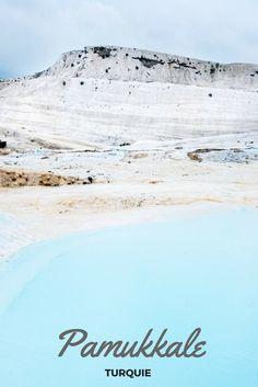 Pamukkale et ses incroyables piscines naturelles, ses cascades pétrifiées. Un site Unesco à découvrir lors de votre voyage en Turquie.