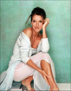 I absolutely love Celine Dion! Celine Dion, Sing In Spanish, Divas, Ingrid Michaelson, Pop Rock Music, Jennifer Hudson, Girls World, Beautiful Voice, Female Singers