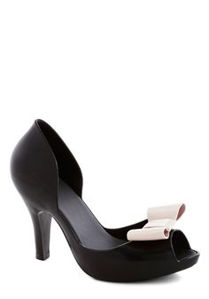 All in Al Fresco Heel in Black. Your favorite part of todays outdoor meal? #black #prom #modcloth