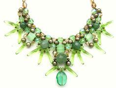Tuca Stangarlin. XAMÃ de OUTONO 2. Quartzo verde, pérola, cristal tcheco e murano.