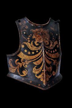 Pieza de armadura del siglo XVII pintada en el XVIII